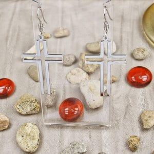 обеци кръст